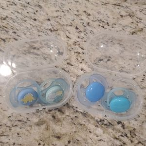Philips Avent Pacifiers in Sterilizer Case